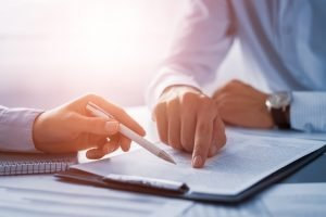 separation lawyer discusses agreement